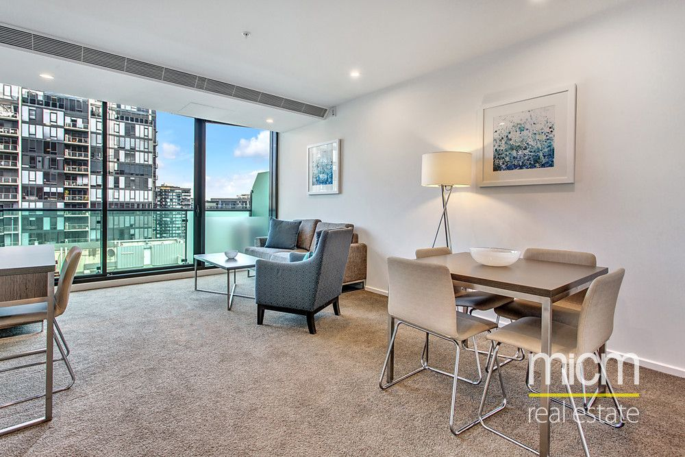 Stylish 28th Floor Living in Southbank Grand