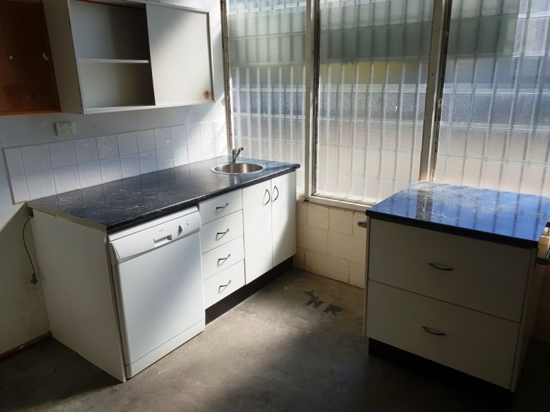 Laneway Storage or Business Opportunity in Central Caloundra