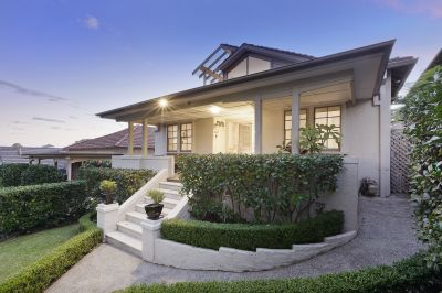 Entertaining Delight with Harbour Bridge Views