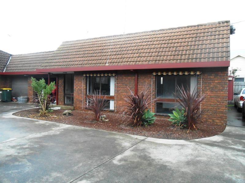 4/93 Carr Street East Geelong