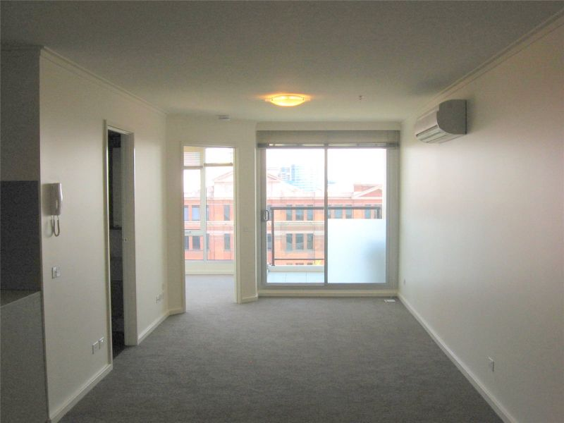 Cityside: 8th Floor, One Bedroom Apartment with  Study Area!
