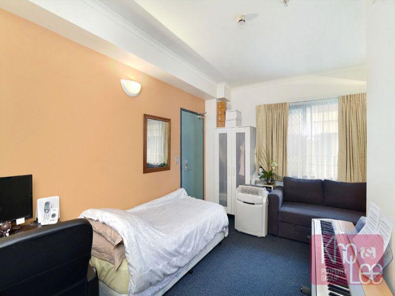 Spacious studio apartment securing fantastic returns