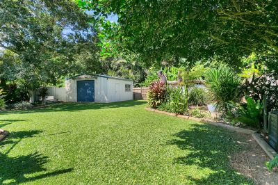 1029m2 – Shed – Pool – 2 Living Areas
