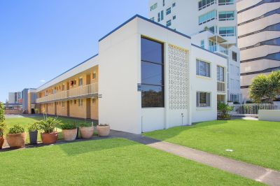 WALK ACROSS TO BURLEIGH BEACH - DON'T MISS OUT ON THIS OPPORTUNITY