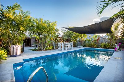5 Bedroom home and large pool