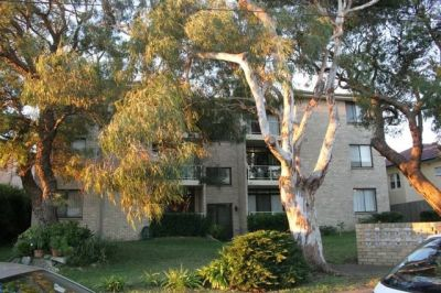 Bright Two Bedroom Unit With An Outlook