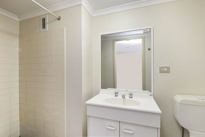 A High returns spacious student Investment!!! Walk to University of Sydney!