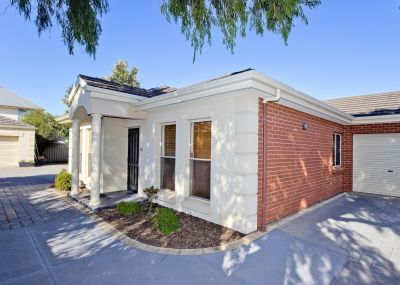 Low maintenance courtyard-home in highly sought suburb