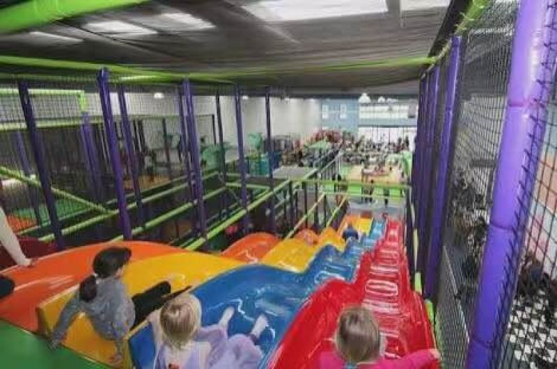 CHILDRENS INDOOR PLAYCENTRE & MUFFIN BREAK CAFÉ FOR SALE