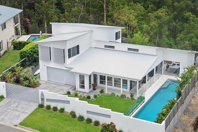 STUNNING HOME IN THE PINNACLE OF GOLD COAST LIVING - CLOSE TO PROMINENT SCHOOLS