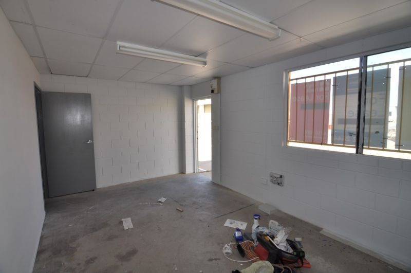 Affordable warehouse/office unit in Currajong