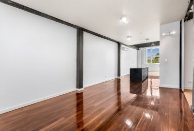 New York Style Woolstore with Extra Multi Purpose Room