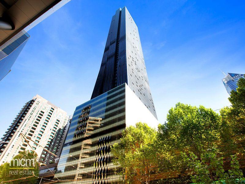 Collins Tower: 18th Floor - Fantastic City Living!