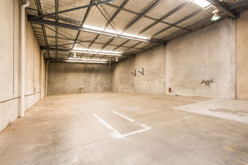 ABSOLUTE BEST VALUE OFFICE WAREHOUSE FOR LEASE