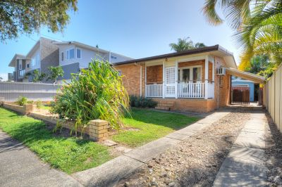 Price Reduction! Large Yard - Res B Block - Close to Broadwater!