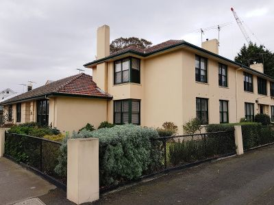 RARE THREE BEDROOM APARTMENT IN THE HEART OF WILLIAMSTOWN
