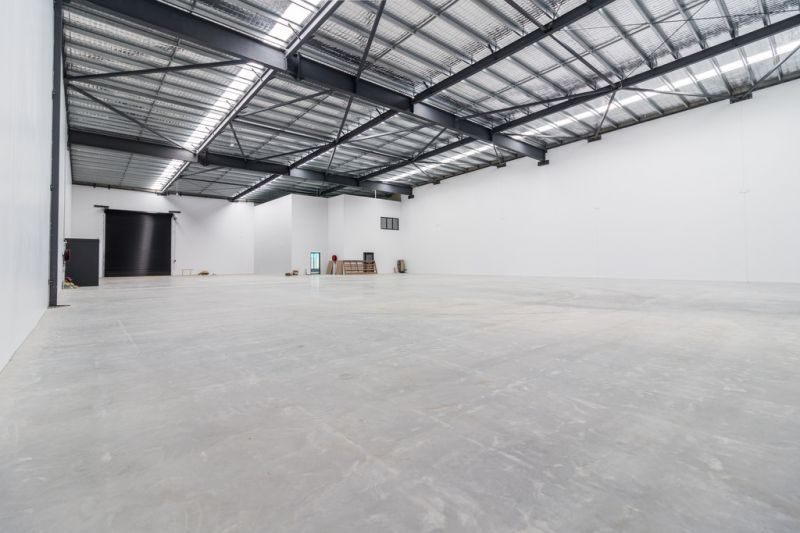 BRAND NEW QUALITY WAREHOUSES WITH HARDSTAND