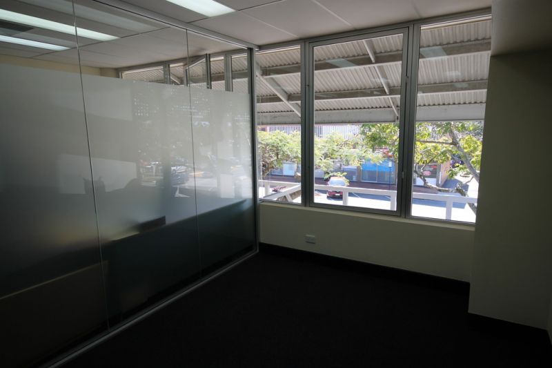 1st FLOOR STRATA TITLE OFFICE WITH FUNCTIONAL LAYOUT