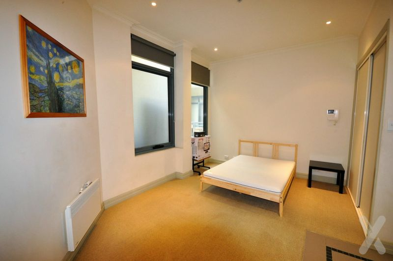 PRIVATE INSPECTION AVAILABLE - SPACIOUS! Furnished Studio! Rent Negotiable! GREAT CITY LOCATION!!