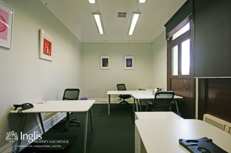 SIMPLY STUNNING ARCHITECTURAL OFFICE SPACE