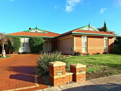Set in a quiet pocket of Sydenham, with parklands and Watergardens Shopping Centre only minutes away!