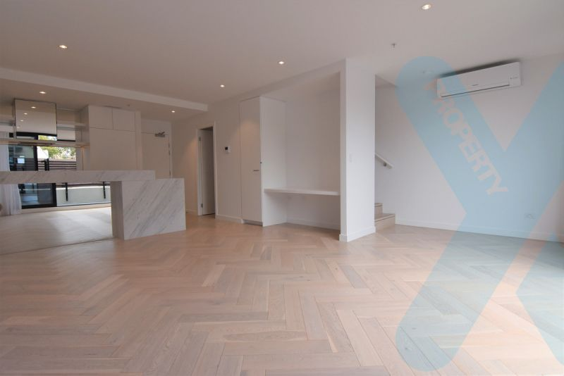 New Stylish Three Bedroom Apartment!