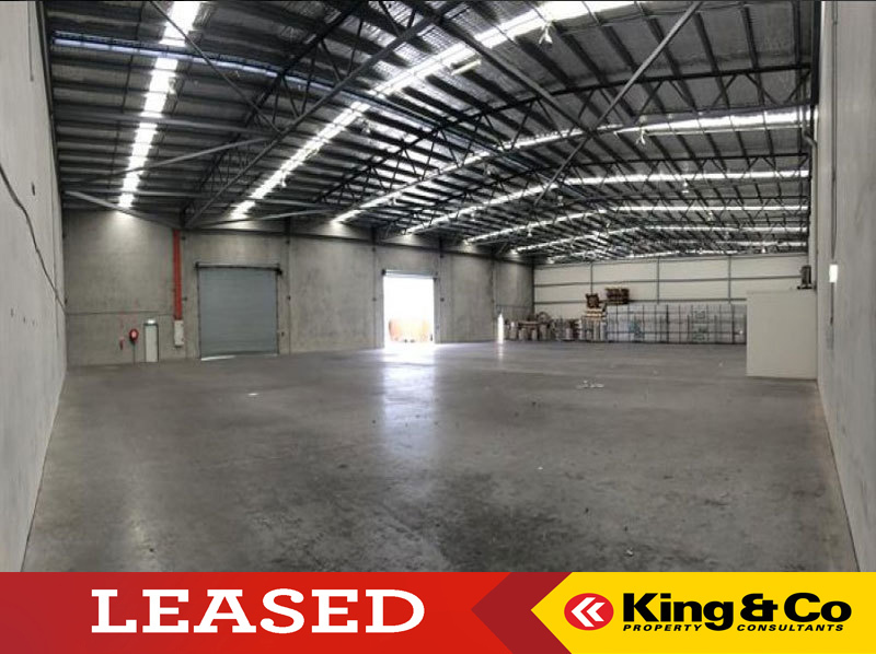 TILT PANEL WAREHOUSE IN GEEBUNG