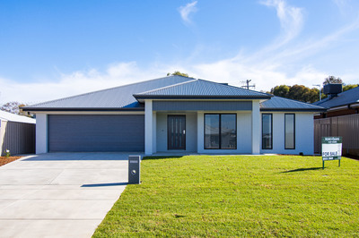 A QUALITY BOOROOMA HOME