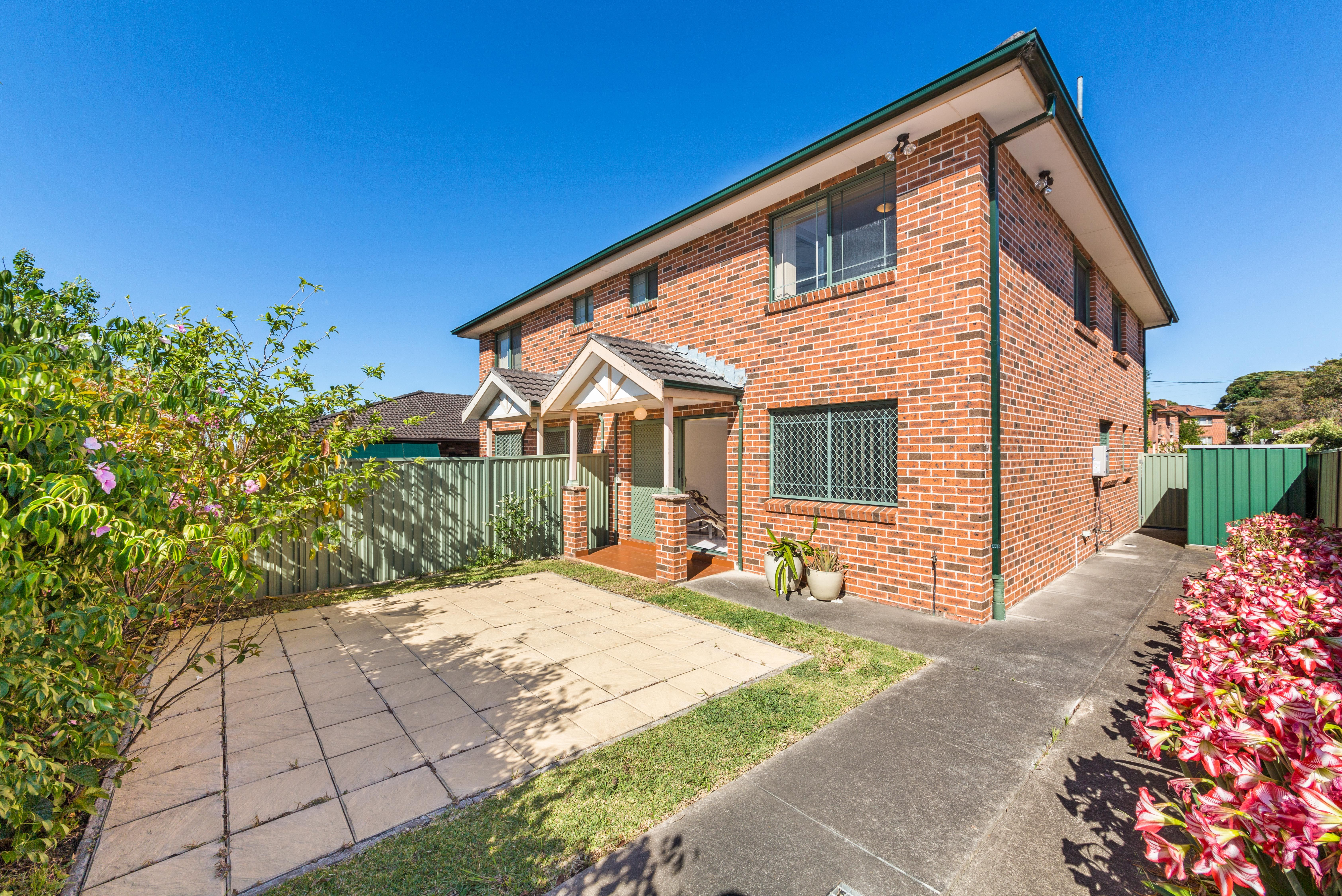2/90 Dutton Street, Yagoona NSW 2199