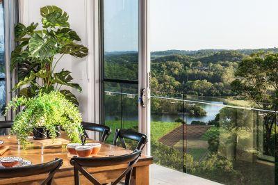 Hinterland Stunner with Panoramic Views