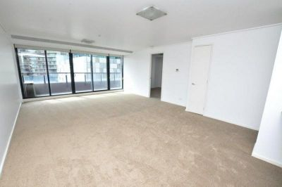 Melbourne Tower, 7th Floor - Stunning Three Bedroom Apartment!