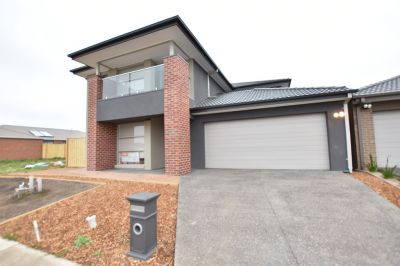 Modern and Gorgeous BRAND NEW Four Bedroom Home!