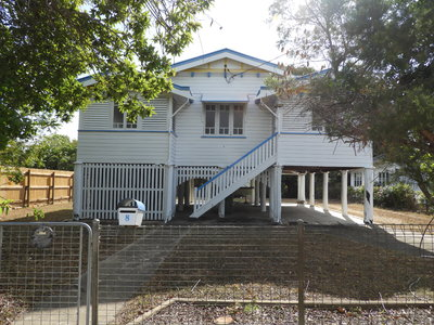 Two Bedrooms + Sleepout - Queenslander Style