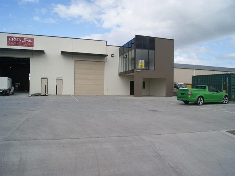 Modern Single Span Warehouse/Office For Lease