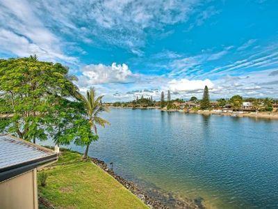 Wide Waterviews & Walk to the Beach!