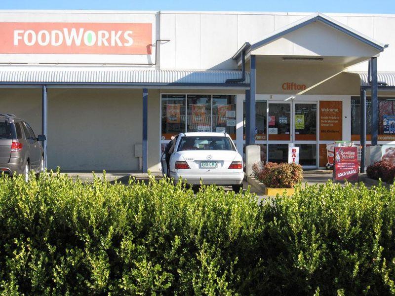 8.6 Hectare LMR Development Site (Toowoomba Regional Council planning scheme)...