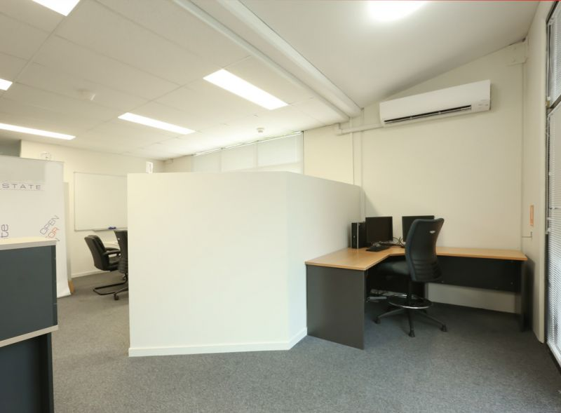 Vacant Possession - Professional Office with Warehouse 325m2*