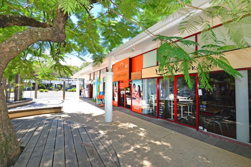 Central Retail Shop In Noosa Junction