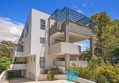 EXECUTIVE STYLISH ONE BEDROOM RESIDENCE IN BOUTIQUE 'PARKVIEW' COMPLEX
