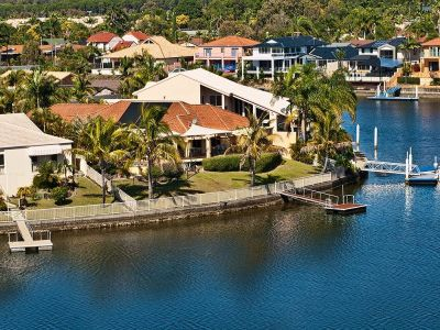 Indulge In Luxurious Waterfront Outlook