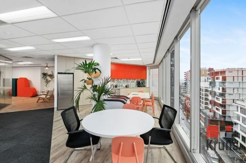 SENSATIONAL OFFICE WITH HARBOUR VIEWS