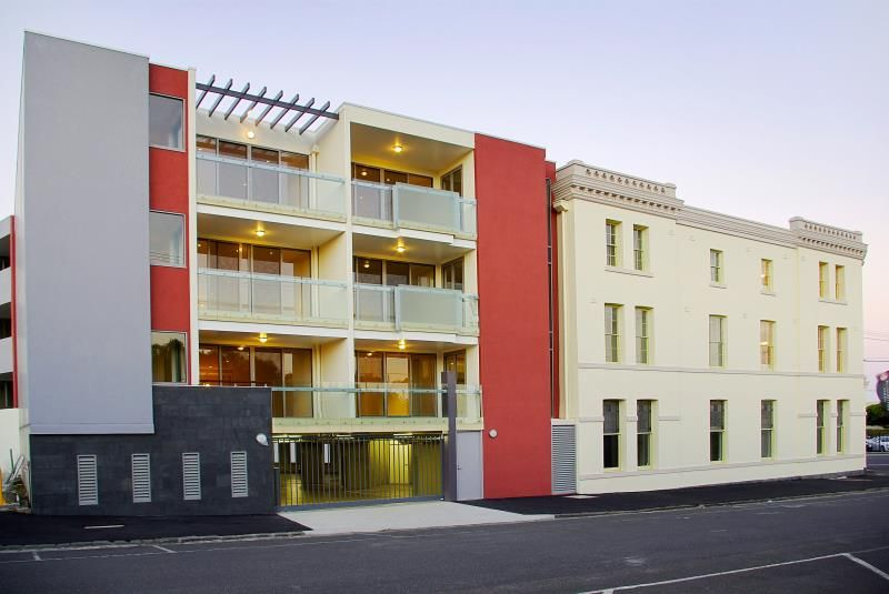 6/96 Mercer Street Geelong