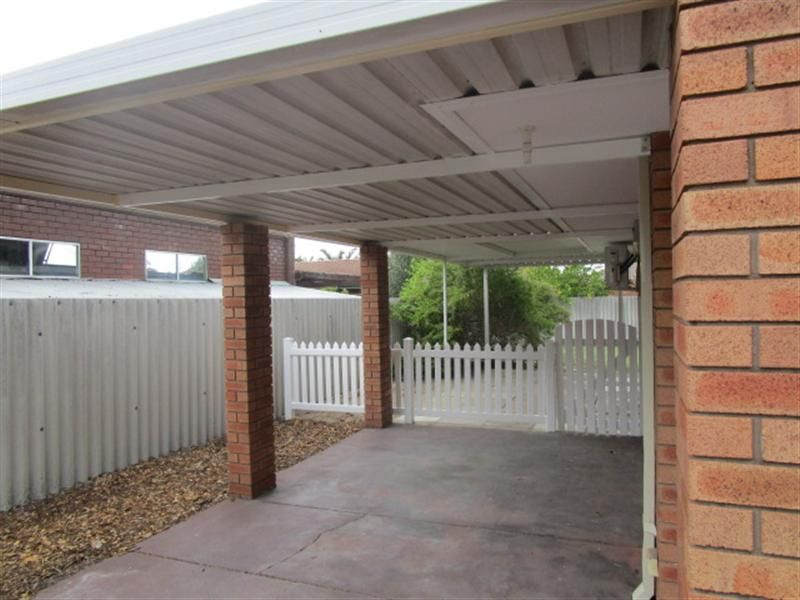 5 Eudanda Place Cannington 6107