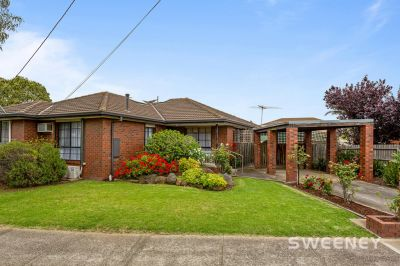 An Ideal Opportunity to Live or Invest in this Idyllic Bayside Suburb!