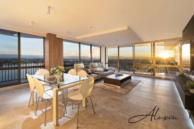 SPECTACULAR PANORAMIC VIEWS OF OCEAN & MAIN RIVER!