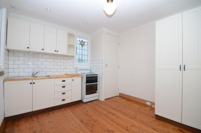 FRESHLY-UPDATED CHARACTER RESIDENCE IN THE HEART OF VIBRANT GLEBE