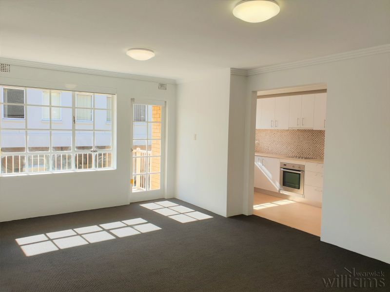 SUNNY TOP FLOOR SECURITY UNIT - FRESHLY RENOVATED
