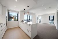 Expansive light-filled first floor apartment