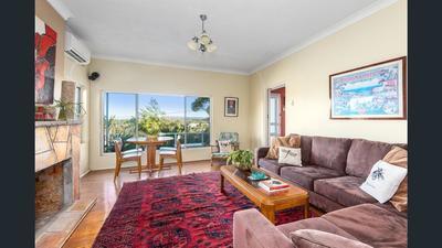 3 bedroom, ocean views, large backyard, pet friendly