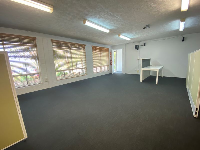 70SQM* FULLY SERVICED OFFICE/TRAINING ROOM